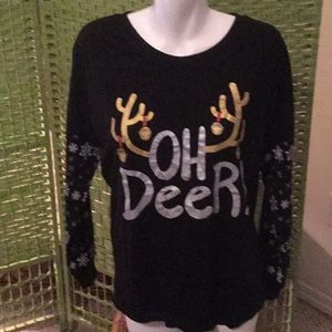 """🎄NWT Cool Holiday """" Oh Deer """" Top Size Med Top🎄"""